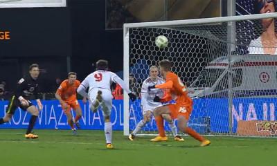 Rafał Boguski trafia na 4:2 w meczu z Termaliką